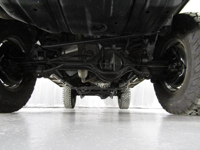 LX 5速マニュアル リフトアップ リアデフロック 電動ウインチ 純正ナロー 4ナンバー登録 新品グッドリッチATタイヤ 背面付 ディーゼルターボ 前席KINGSシートカバー 本州仕入(27枚目)
