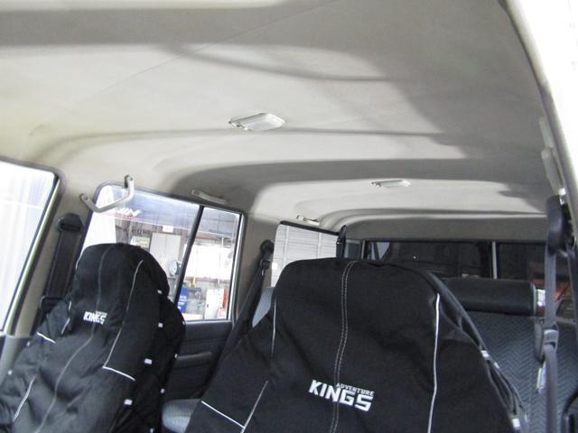 LX 5速マニュアル リフトアップ リアデフロック 電動ウインチ 純正ナロー 4ナンバー登録 新品グッドリッチATタイヤ 背面付 ディーゼルターボ 前席KINGSシートカバー 本州仕入(41枚目)