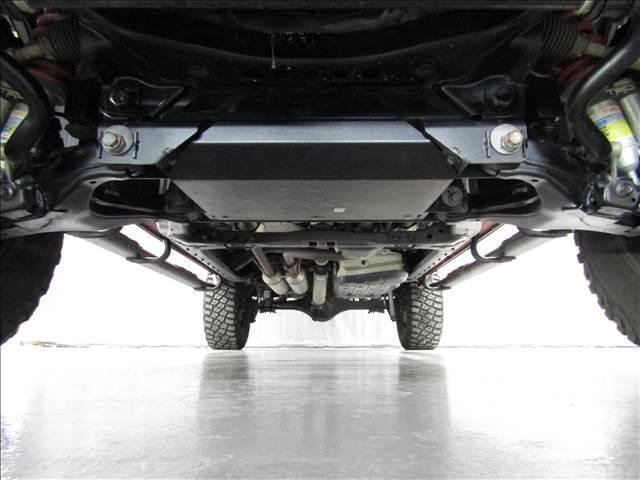 クルーマックス 4WD TRDPRO ラフカントリー6インチUP ハードシェル TRD専用マフラー TRD専用シート グッドリッチMTタイヤ KMC20インチアルミ LEDヘッドライト LEDテールライト サイドステップ 走行証明有(8枚目)