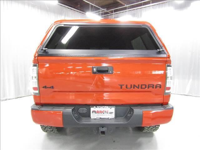 クルーマックス 4WD TRDPRO ラフカントリー6インチUP ハードシェル TRD専用マフラー TRD専用シート グッドリッチMTタイヤ KMC20インチアルミ LEDヘッドライト LEDテールライト サイドステップ 走行証明有(11枚目)