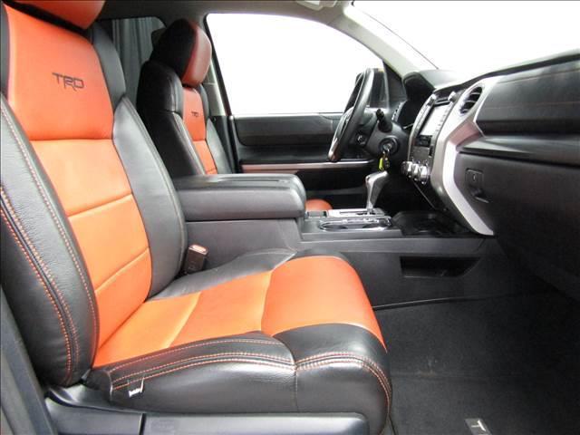 クルーマックス 4WD TRDPRO ラフカントリー6インチUP ハードシェル TRD専用マフラー TRD専用シート グッドリッチMTタイヤ KMC20インチアルミ LEDヘッドライト LEDテールライト サイドステップ 走行証明有(18枚目)