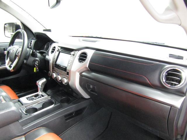 クルーマックス 4WD TRDPRO ラフカントリー6インチUP ハードシェル TRD専用マフラー TRD専用シート グッドリッチMTタイヤ KMC20インチアルミ LEDヘッドライト LEDテールライト サイドステップ 走行証明有(35枚目)