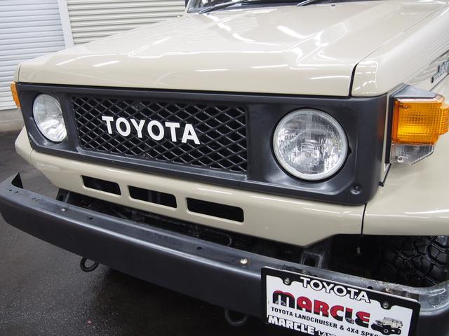 トヨタ ランドクルーザー70 トゥループキャリア ディーゼル 内装カスタム NOX適合