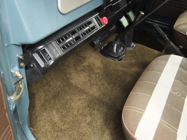 トヨタ ランドクルーザー40 ロング 観音開 パワステ クーラー じゅうたん製作