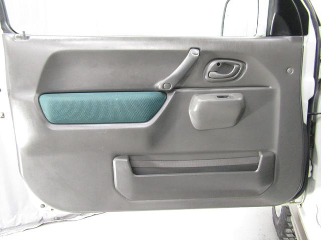 ランドベンチャー 4WD オートマ リフトアップ DVDコンポ キーレス(35枚目)