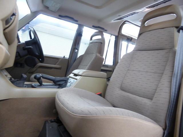 ランドローバー ランドローバー ディスカバリー V8 4WD 天井新品張替済 OPカラー!! 車検長期
