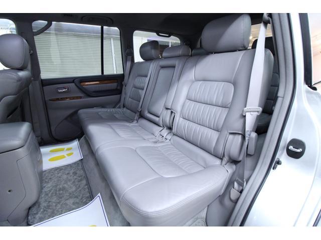 「トヨタ」「ランドクルーザー100」「SUV・クロカン」「北海道」の中古車26