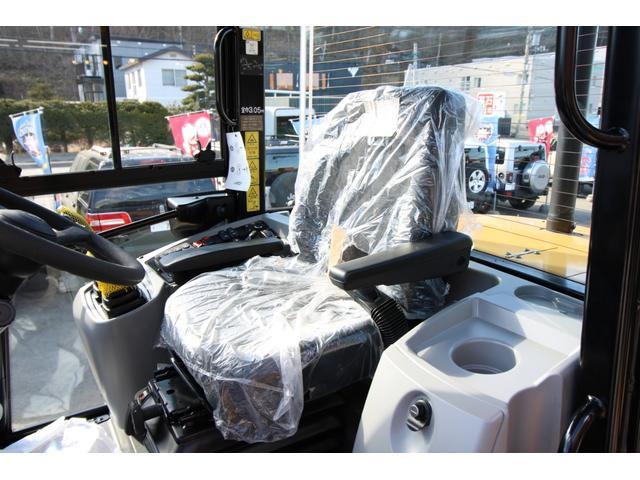 CAT910M 登録済未使用車 4バルブ配管 新品マルチプラウ 新品オノデラ製特注シャッターバケット デフロック 新品LEDバー作業灯 Bluetoothオーディオ(20枚目)