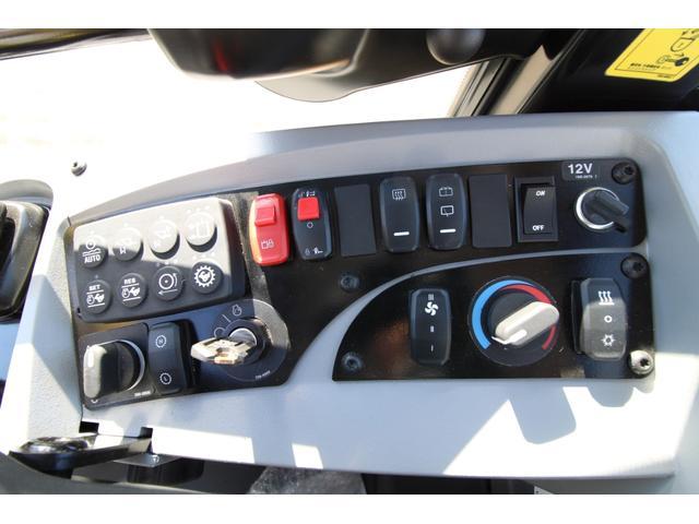 CAT910M 登録済未使用車 4バルブ配管 新品マルチプラウ 新品オノデラ製特注シャッターバケット デフロック 新品LEDバー作業灯 Bluetoothオーディオ(24枚目)