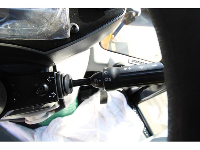 CAT910M 登録済未使用車 4バルブ配管 新品マルチプラウ 新品オノデラ製特注シャッターバケット デフロック 新品LEDバー作業灯 Bluetoothオーディオ(27枚目)