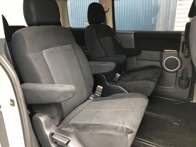 後席シートは使用感もなく、状態良しですッ!!