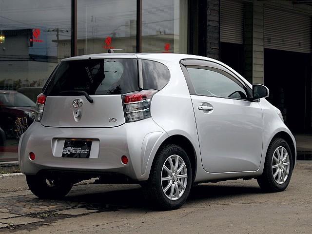 燃費も良く、乗り味は普通車を乗っている感覚でとても乗りやすいお車です♪