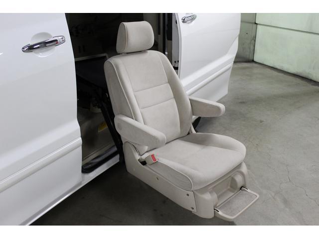 トヨタ アルファードハイブリッド ウェルキャブ 二列目サイドリフト 4WD サンルーフ