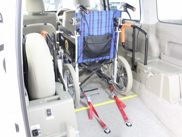 福祉車両 リアスロープ 車椅子一基 電動ウィンチ(8枚目)