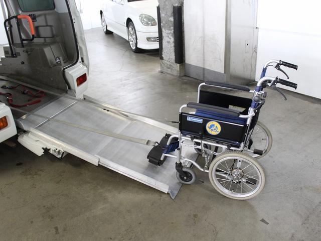 福祉車輌 リアスロープ ターボ4WD 電動ウィンチ(5枚目)