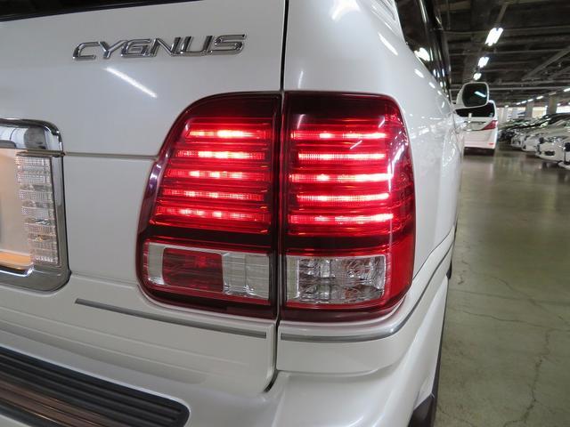札幌店は1500坪の大型屋内展示場(敷地2500坪)のため快適にお車を選んでいただけます☆