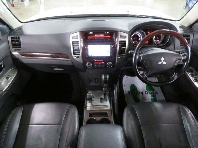 本州仕入れ!高級感溢れる黒革パワーシート付き!ワンランク上のドライブが楽しめます♪パジェロ『スーパーエクシード 4WD 後期』入庫♪
