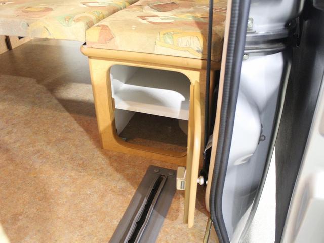 フロットモビール シュピーレン 4WD シンク 外部電源 コンバーター 走行用リアヒーター バックフォグ イクリプスSDナビ バックカメラ ETC センターデフロック ルーフキャリア(15枚目)