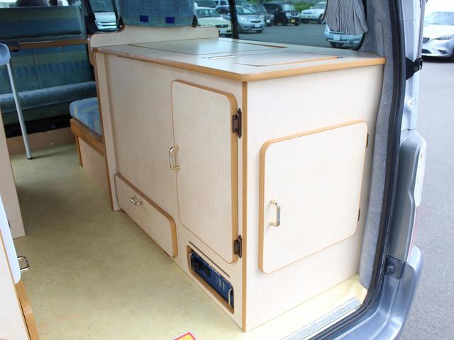 NOX適合 切替4WD FFヒーター 1500Wインバーター ポータブル冷蔵庫 ツインサブ 走行充電 外部電源充電 サイドオーニング シンク 給排水ポリタンク 走行用リアクーラー 走行用リアヒーター(17枚目)