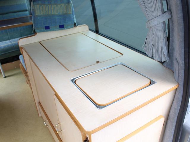 NOX適合 切替4WD FFヒーター 1500Wインバーター ポータブル冷蔵庫 ツインサブ 走行充電 外部電源充電 サイドオーニング シンク 給排水ポリタンク 走行用リアクーラー 走行用リアヒーター(18枚目)