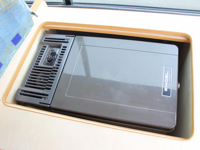 NOX適合 切替4WD FFヒーター 1500Wインバーター ポータブル冷蔵庫 ツインサブ 走行充電 外部電源充電 サイドオーニング シンク 給排水ポリタンク 走行用リアクーラー 走行用リアヒーター(23枚目)