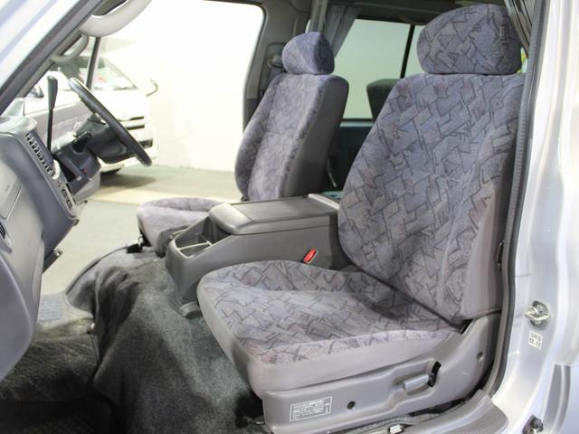 NOX適合 切替4WD FFヒーター 1500Wインバーター ポータブル冷蔵庫 ツインサブ 走行充電 外部電源充電 サイドオーニング シンク 給排水ポリタンク 走行用リアクーラー 走行用リアヒーター(50枚目)