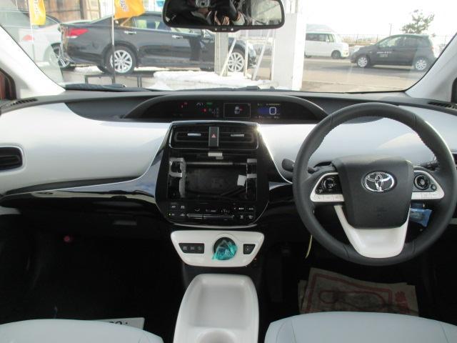 トヨタ プリウス Aツーリングセレクション 4WD レザーシートヒーター