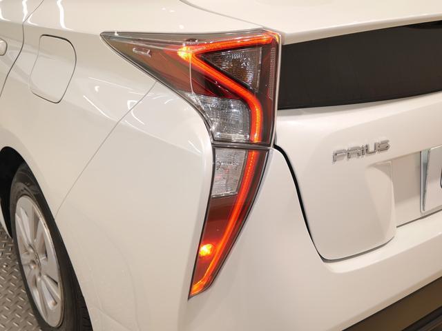 「トヨタ」「プリウス」「セダン」「北海道」の中古車17