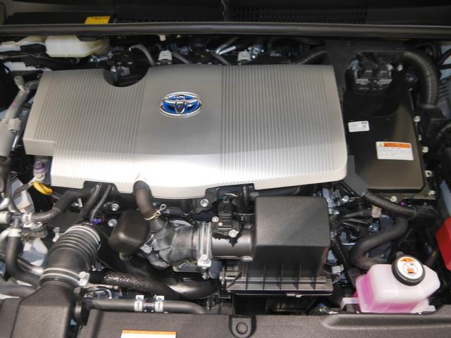 1800ccハイブリッドエンジン☆普段見えないエンジンルームもしっかり洗浄しています