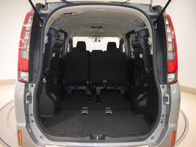 トヨタ ノア X ディライトプラス 4WD