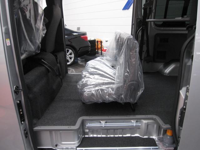 日産 NV350キャラバンバン ロングDXターボディーゼル4WD登録済未使用車