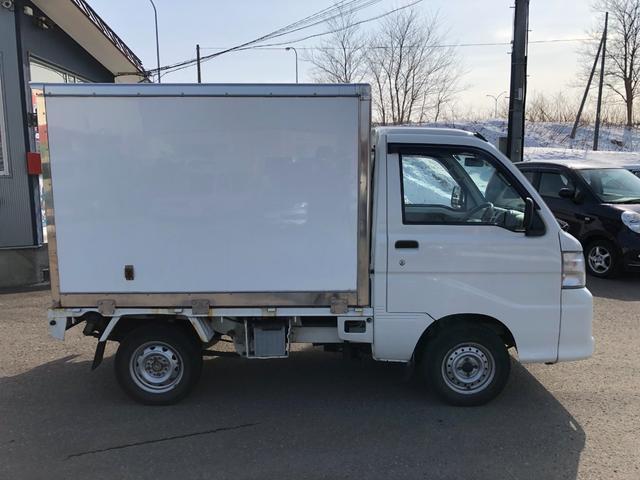 エアコン・パワステ スペシャル 4WD保冷箱車/AC/PS(4枚目)