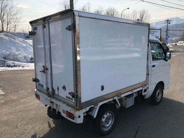 エアコン・パワステ スペシャル 4WD保冷箱車/AC/PS(8枚目)
