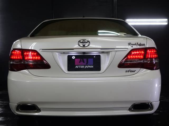 トヨタ クラウン ロイヤルi-FourーU 19AW 4灯HID 追加モニター