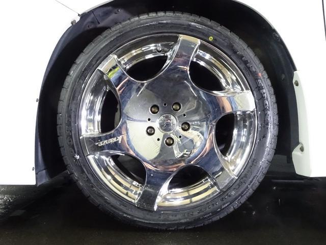 WED'S製 クレンツェ バズレイア 19インチAW☆ タイヤサイズは、245-40-19☆ 新品タイヤを組替ました☆ 28インチ対応チェンジャー&バランサー完備☆ 大口径の組替や脱着もお任せ下さい☆