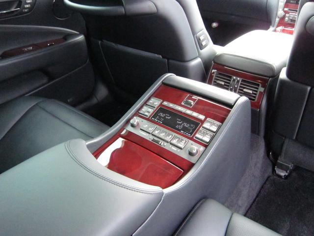 レクサス LS LS600hL後席セパレートシートPKG マークレビンソン