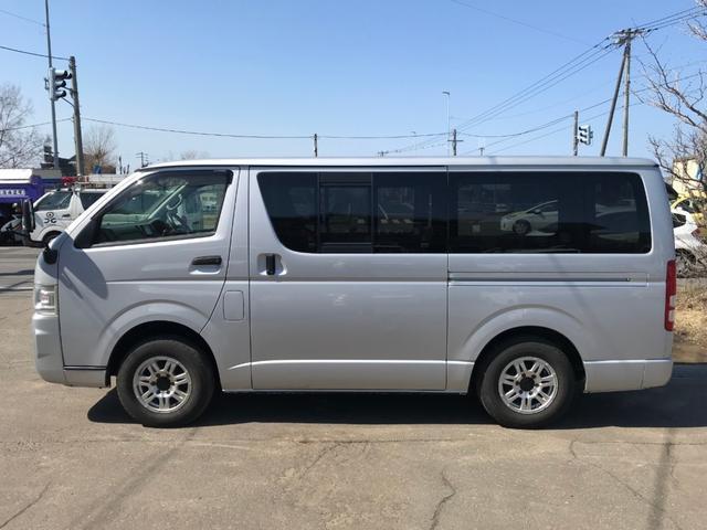 ロングDX 4WD 9人乗り 本州仕入 ナビTV 夏冬タイヤ(8枚目)