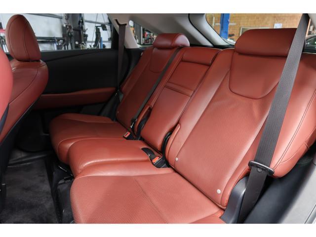 RX450h バージョンL 4WD サンルーフ 夏冬タイヤ付(17枚目)