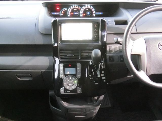 トヨタ ヴォクシー X Lエディション HDDナビ・4WD・BモニターフルTV