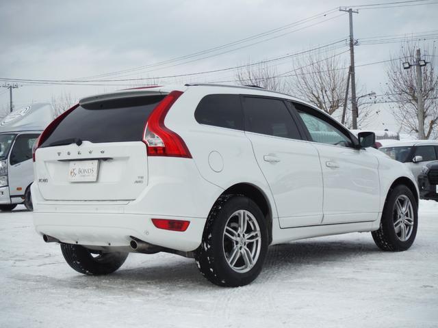 T6 SE AWD ・AWD・サンルーフ・ナビゲーション・Bモニター・本革シート・シートヒーター・4WD(8枚目)