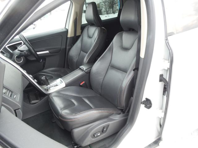 T6 SE AWD ・AWD・サンルーフ・ナビゲーション・Bモニター・本革シート・シートヒーター・4WD(13枚目)