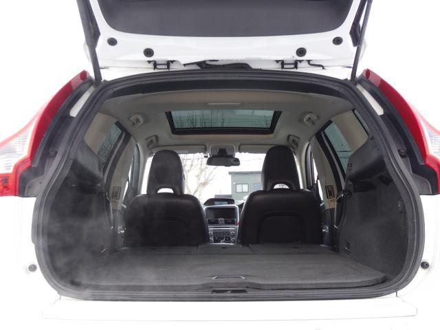 T6 SE AWD ・AWD・サンルーフ・ナビゲーション・Bモニター・本革シート・シートヒーター・4WD(19枚目)