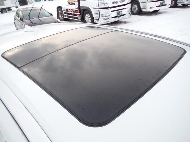 T6 SE AWD ・AWD・サンルーフ・ナビゲーション・Bモニター・本革シート・シートヒーター・4WD(21枚目)