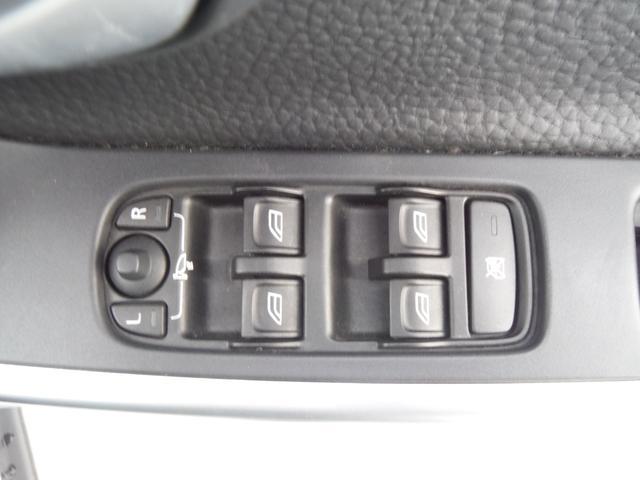 T6 SE AWD ・AWD・サンルーフ・ナビゲーション・Bモニター・本革シート・シートヒーター・4WD(38枚目)