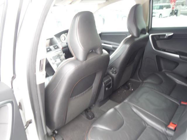 T6 SE AWD ・AWD・サンルーフ・ナビゲーション・Bモニター・本革シート・シートヒーター・4WD(49枚目)