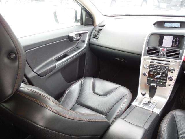 T6 SE AWD ・AWD・サンルーフ・ナビゲーション・Bモニター・本革シート・シートヒーター・4WD(51枚目)