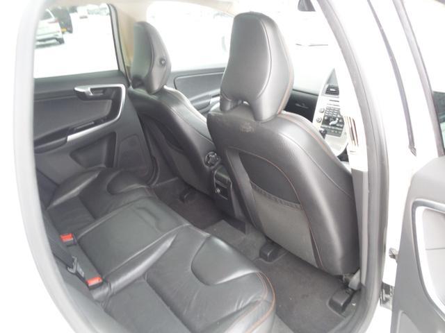 T6 SE AWD ・AWD・サンルーフ・ナビゲーション・Bモニター・本革シート・シートヒーター・4WD(54枚目)