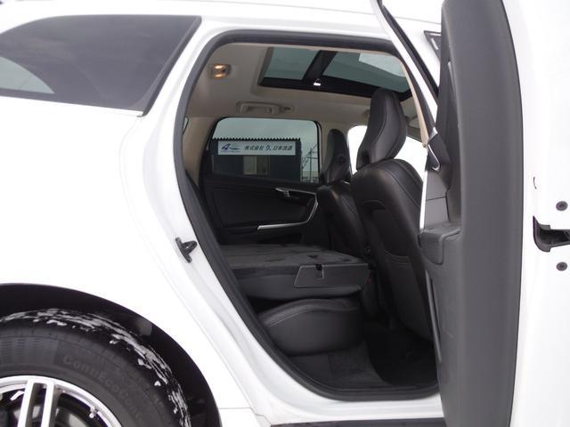 T6 SE AWD ・AWD・サンルーフ・ナビゲーション・Bモニター・本革シート・シートヒーター・4WD(60枚目)