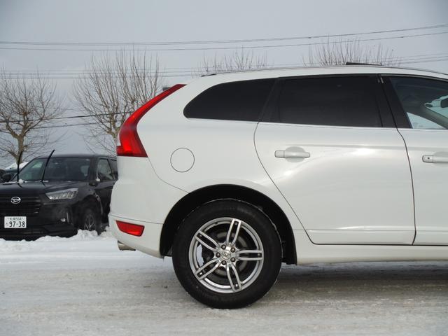 T6 SE AWD ・AWD・サンルーフ・ナビゲーション・Bモニター・本革シート・シートヒーター・4WD(78枚目)