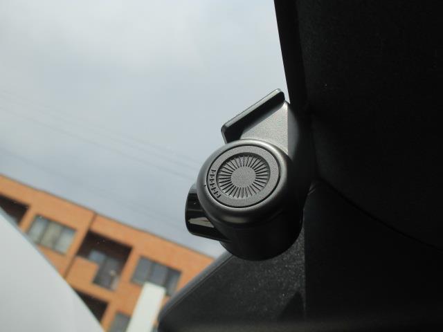 Gターボ サンルーフ 4WD フルセグ メモリーナビ DVD再生 ミュージックプレイヤー接続可 バックカメラ 衝突被害軽減システム ドラレコ LEDヘッドランプ ワンオーナー アイドリングストップ(17枚目)